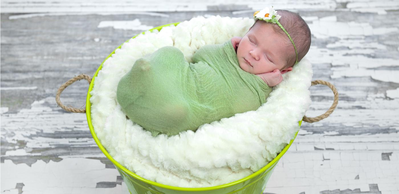 Newborn photographer maternity photographer brisbane studio